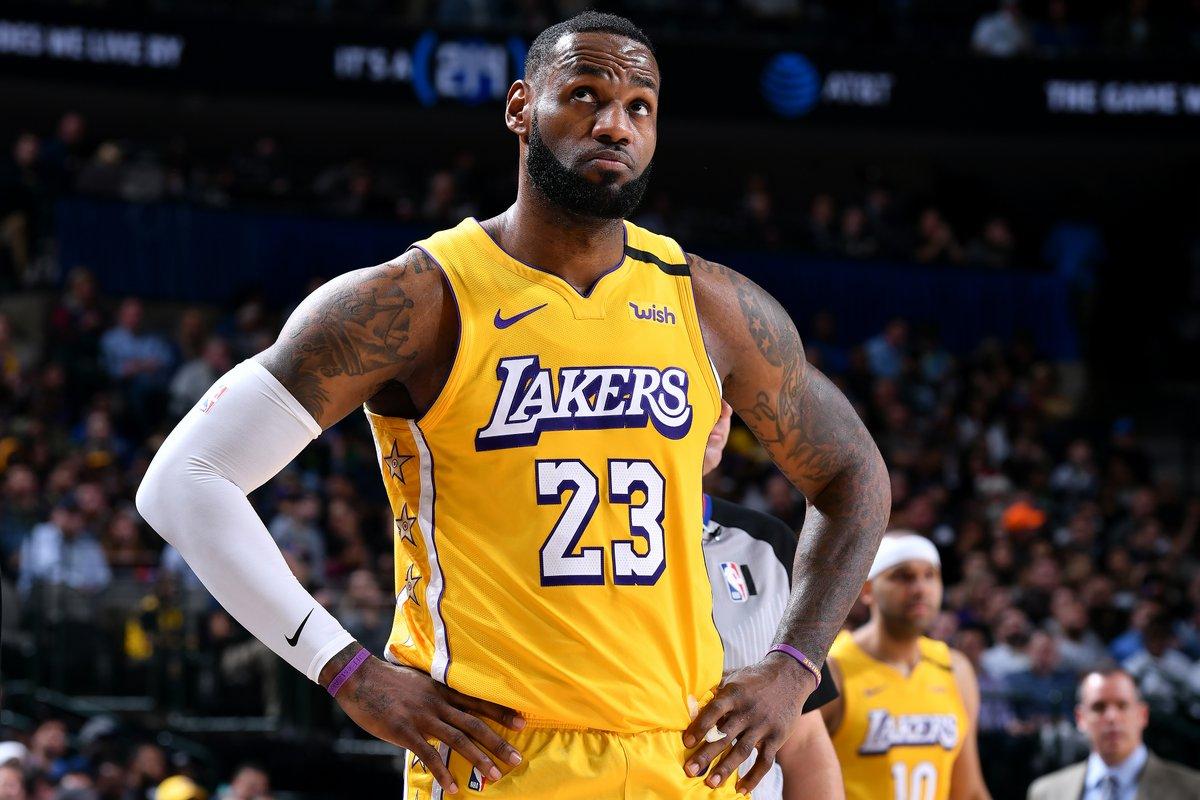 NBA LeBron James vuole ricominciare Non bisogna rinunciare alla stagione